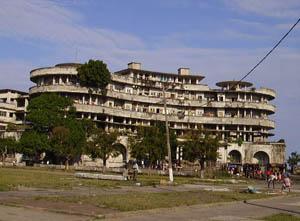 Orgone energy gifting tour Malawi: Hotel Ruin