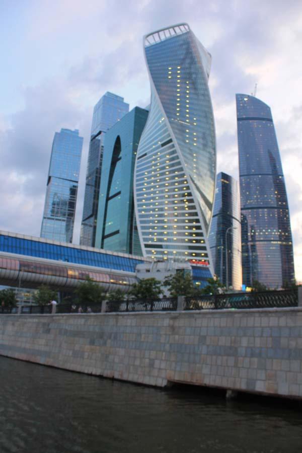 Dubai on the Moskwa - gifted